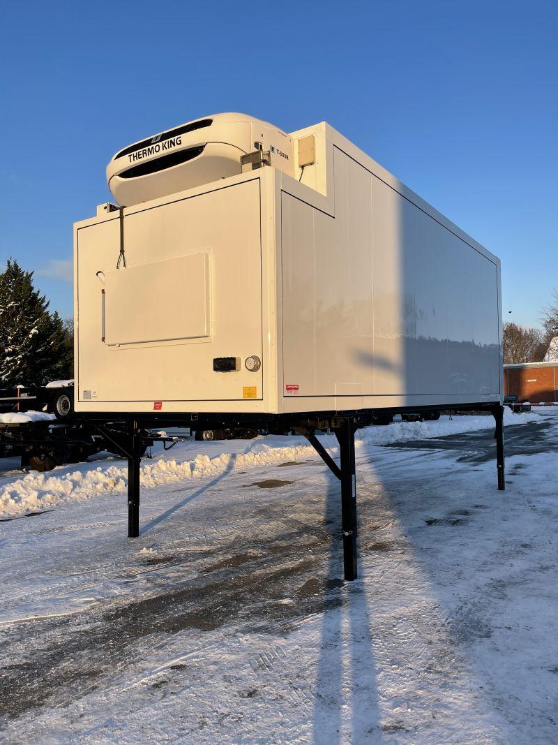 #17821 - Bild: 3 | Tiefkühl – Wechselkoffer mit Kühlgerät | BDF-System 7.450 mm lang, LACK NEU!